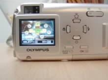 Menu a ovládací prvky fotoaparátu Olympus μ 300 Digital
