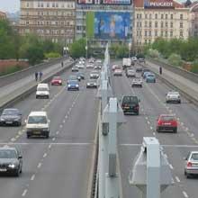 Fotografie mostu pořízená Canonem Digital IXUS 400(odkaz 408 kB)