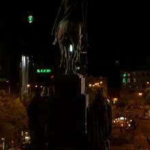 Noční snímek pořízený Casiem Exilim EX-Z3 (odkaz 469 kB)