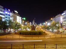 Sony P32, noc (náhled 1024x768)