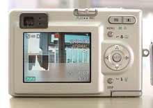 Digitální fotoaparát Casio Exilim EX-Z3 - zadní stěna