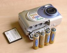 CoolPix 2000