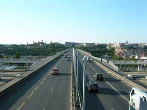 Fotografie mostu pořízená Nikonem Coolpix 3500