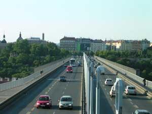 Fotografie mostu pořízená při 3x zoomu Nikonem Coolpix 3500