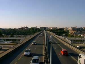 Fotografie mostu pořízená Samsungem Digimax V3