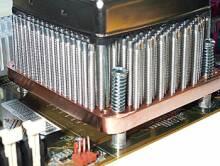 Uchycení k motherboardu