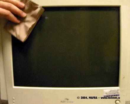 Čistění obrazovky hadříkem