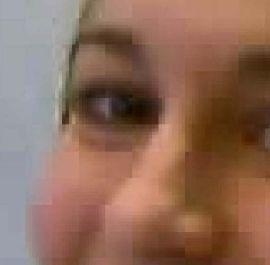 Shlukování pixelů nadměrnou kompresí
