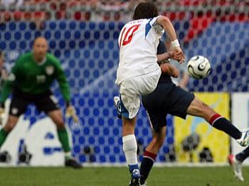 USA - Česko: Rosický střílí gól