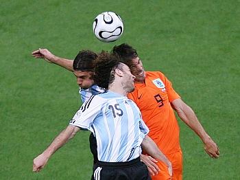 Nizozemsko - Argentina: van Nistelrooy proti přesile