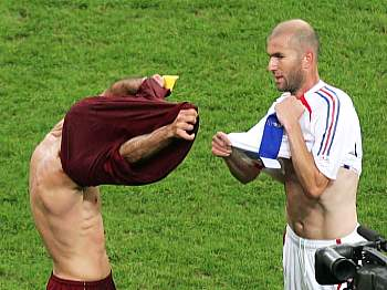 Luis Figo a Zinedine Zidane