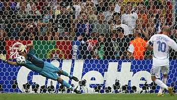 Portugalsko - Francie: Ricardo a Zidane