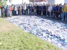 Přibližně 20 000 nosičů se sešlo při likvidační show