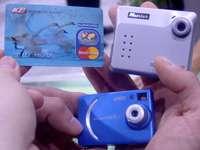 Digitální minifotoaparát Mustek o velikosti kreditní karty