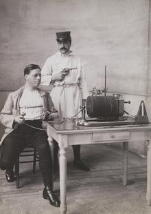 Detektor lži v roce 1915; zdroj: Profimedia