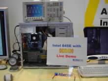 Počítač Albatron s DDR400 pamětmi a čipsetem i845E
