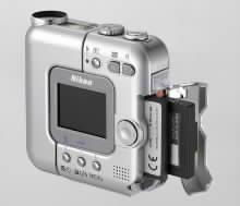Zadní pohled na digitální fotoaparát Nikon CoolpixSQ