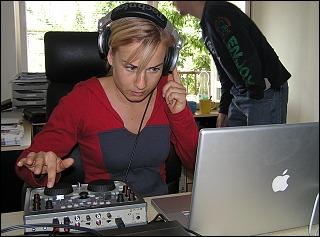 LayDee Jane při mixování