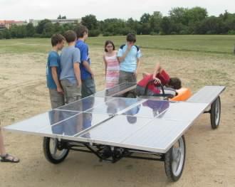 Solární vozítko na akci Věda v ulicích