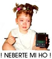 Markétka s PalmPilotem, sedící, brečící
