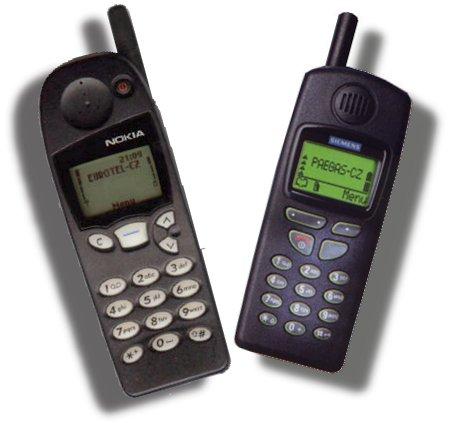 oba telefony vedle sebe - takhle vypadají